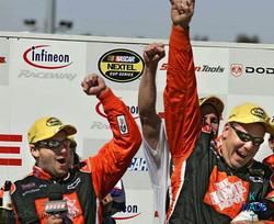 SF CHRONICLE NASCAR 11AA