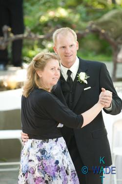 AMANDA_and_JON_Wedding_453_KatWade