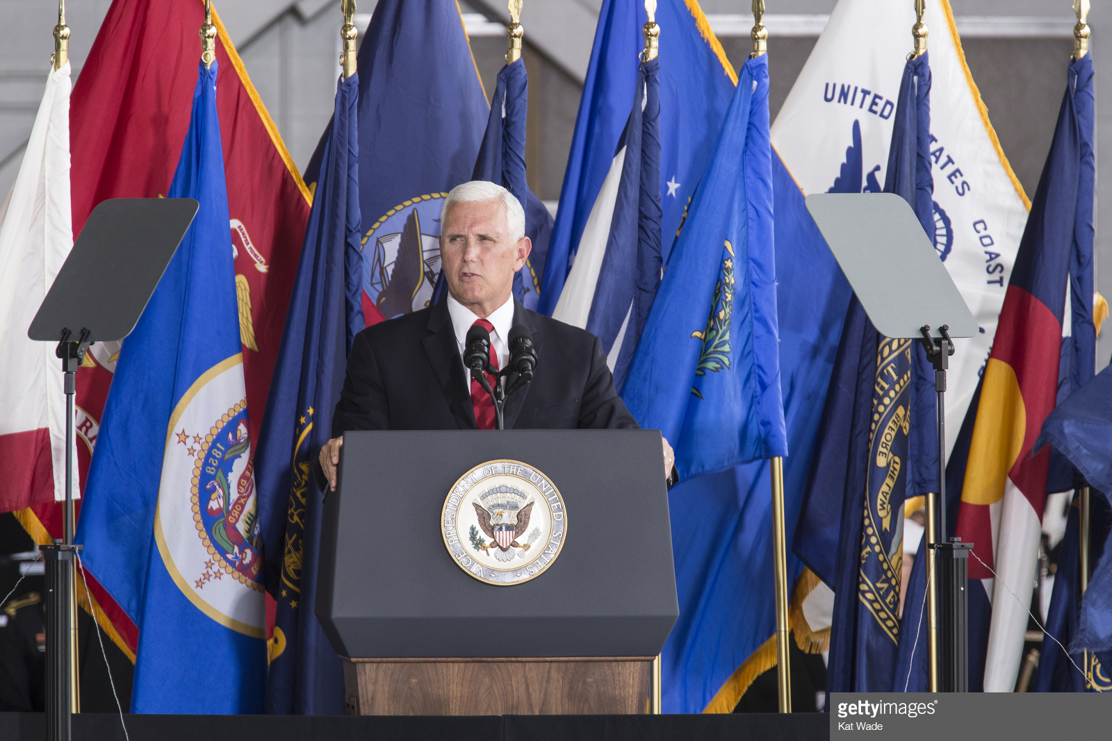 getty VP PENCE_CEREMONY_jkw 15