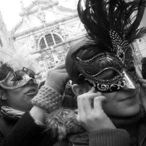 Como é o carnaval em Veneza: minha experiência em 1 dia da festa