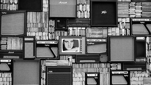 acoustic-amplifier-artist-114820.jpg