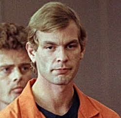 Jeffrey Dahmer: Gay Serial Killer who Kidnapped His Victim, Killed & Masturbated on Dead Bodies!