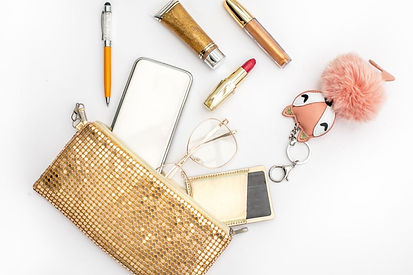 Makeup Essentials You Should Always Have in Your Bag to look Glamorous 24*7