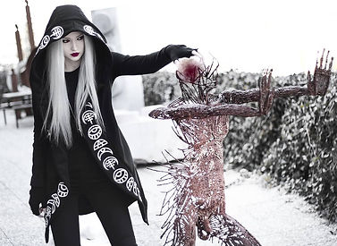 10 Best Dark and Unorthodox Fashion Images Trending Globally .