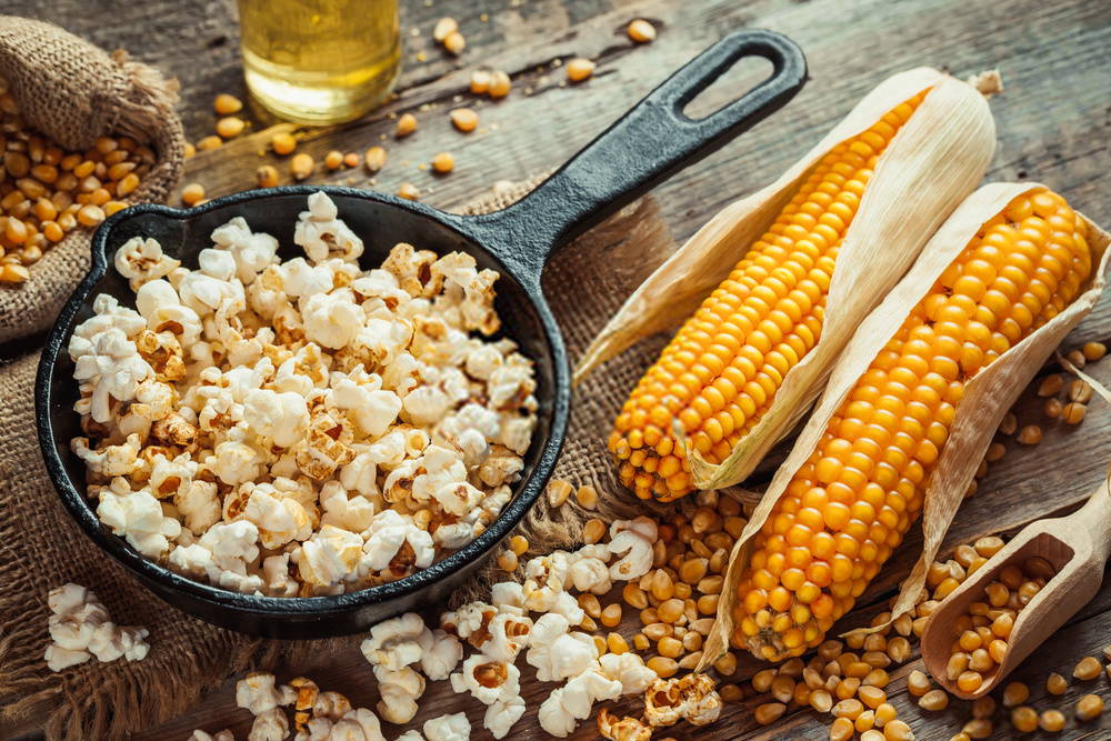 History of Popcorn: Know all the Facts of your Favourite Snacks from Movie Theatre to Microwave