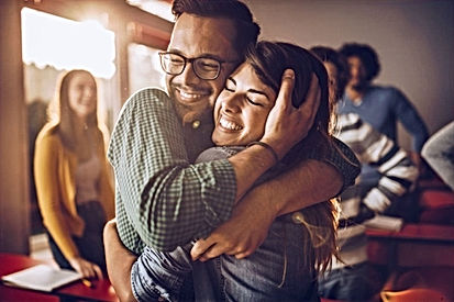 9 Different Types of Hugs and What They Reveal About Your Relationship. Decode Them Now!