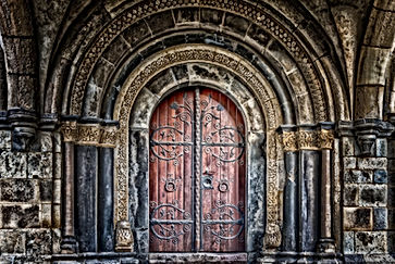 4 Mystery Doors Around the World That Can Never Be Opened! Know the Real Reason Behind It!