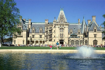 Biltmore Mansion: One of The Most Haunted Place in America! Why the Dead Family is still there?