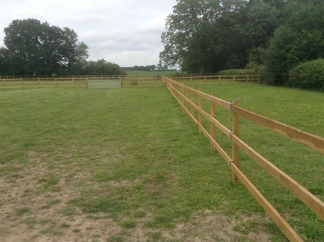commercial fencing uk