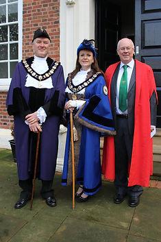 Reeve Neil Beaumont, Bailiff Joanne Slad