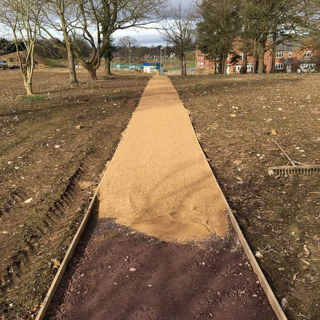 Self Binding Gravel Path