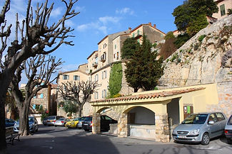 chateauneuf-grasse.jpg
