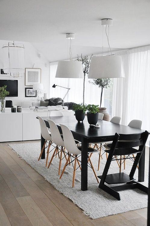 tavolo da pranzo bianco e nero