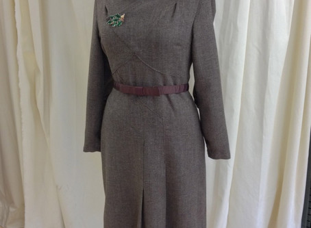 Vintage Vogue 2569 - A 1943 Wool Dress