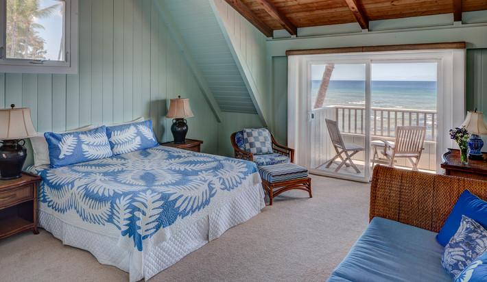 Kona Side Upstairs Bedroom