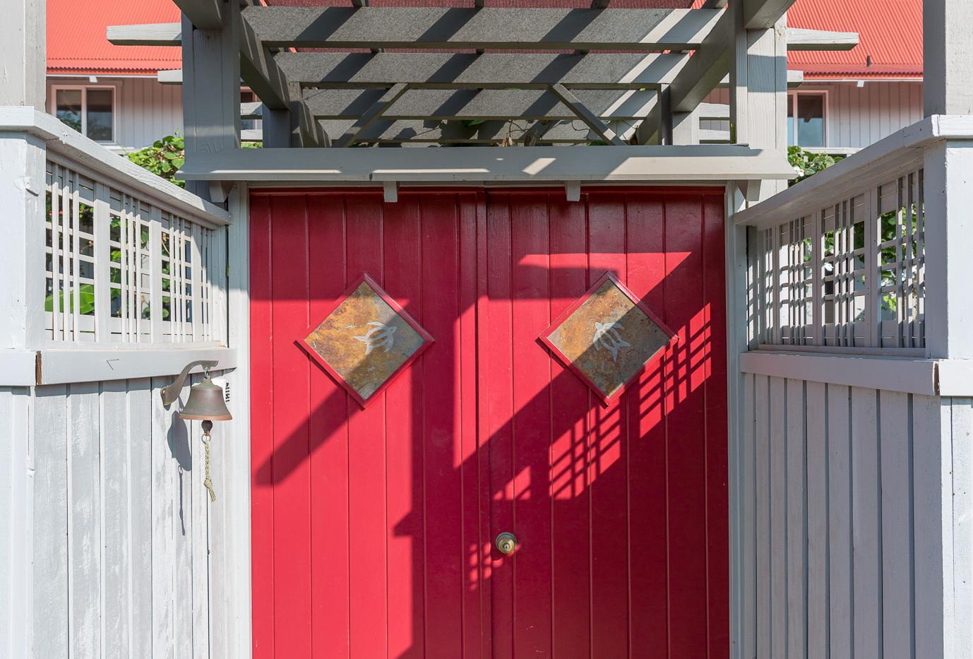Lockable door leading into the outdoor entryway