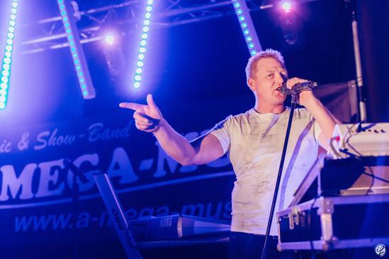 Sänger Alex Band A-Mega Event