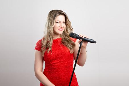 Mila Sängerin (russisch,deutsch,ukrainisch,spanisch,englisch