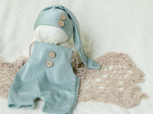 Aqua Outfit w/ hat.