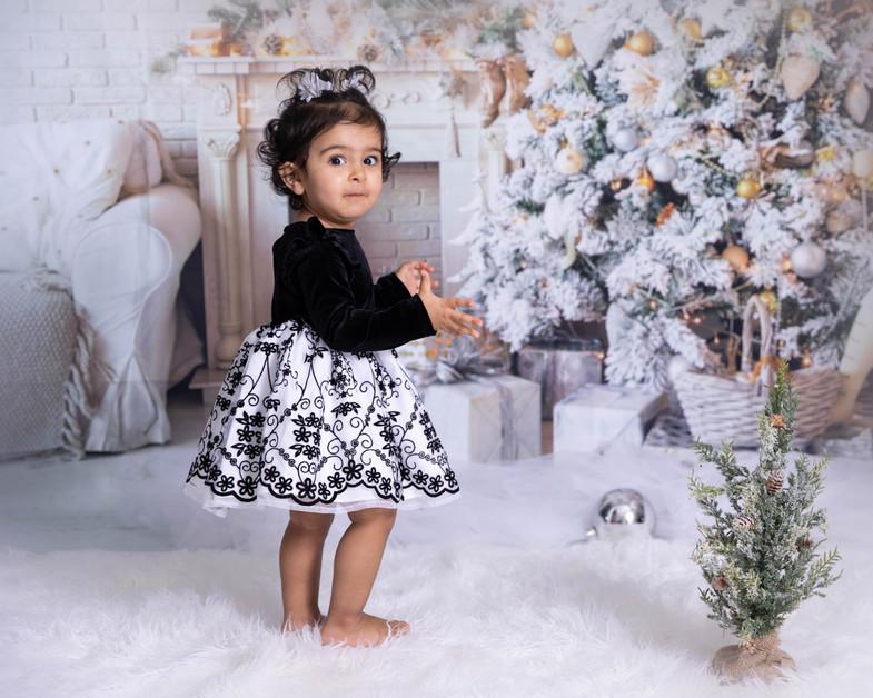 Christmas Aahana lr-5.jpg