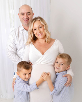 Frost Family Maternity Session hr2021Fro