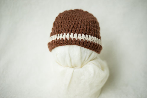 Brown hat w/ white strip