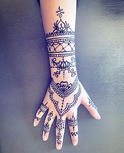 I love getting to do henna for celebrati