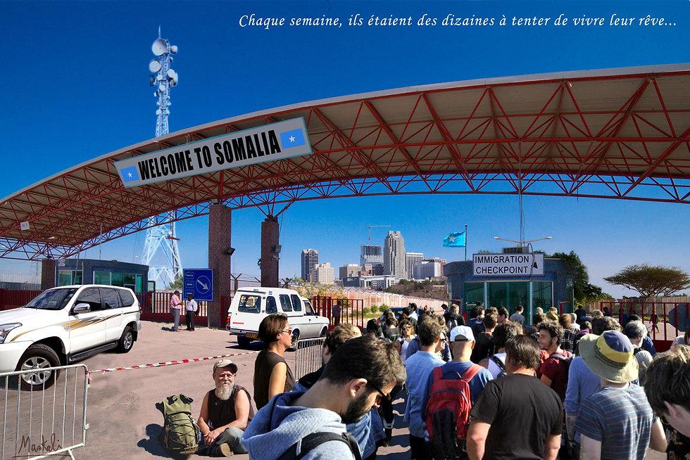 Poste frontière somalien avec file d'immigrés blancs