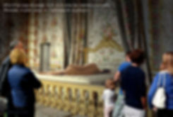Lucie à Versailles (Légende).jpg
