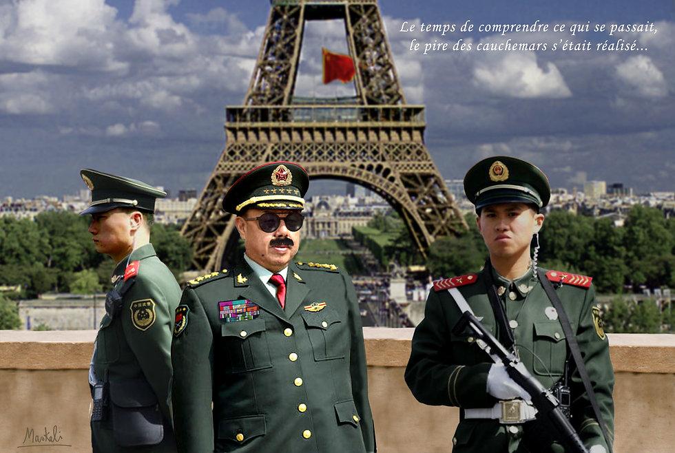 Tour eiffel avec militaires