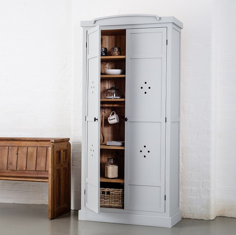The Vent Hole door option is a must have addition for your kitchen storage needs.