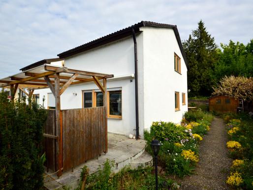 Großzügiges Einfamilien-/Doppelhaus mit Garten in Aussichtslage !!!