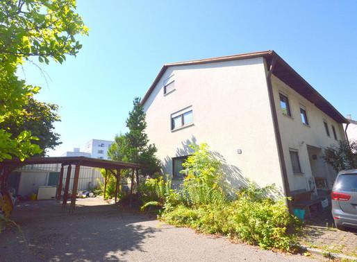 Familienfreundliches Doppelhaus in unmittelbarer Neckarlage in Horkheim