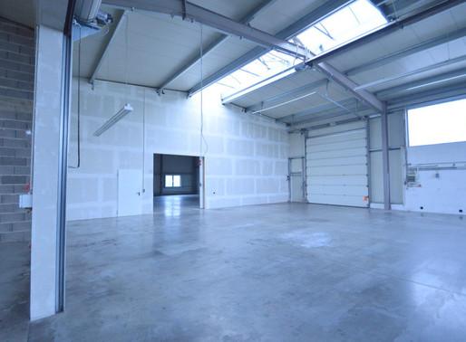 Super geschnittene Gewerbehalle in Schwaigern - Flächen zwischen 600 - 1.200 m² inkl. Büro u. Parken