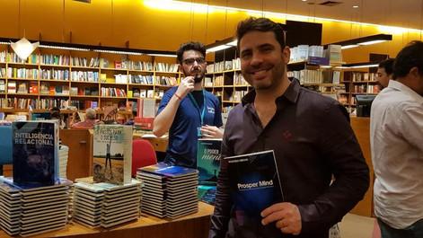 Marcelo Leeman lança 5 Livros  na Livraria Cultura do Conj. Nacional em noite cheia de celebridades.