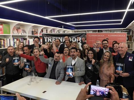 Lançamento Treinador Extraordinário Livraria da Vila Shopping JK .