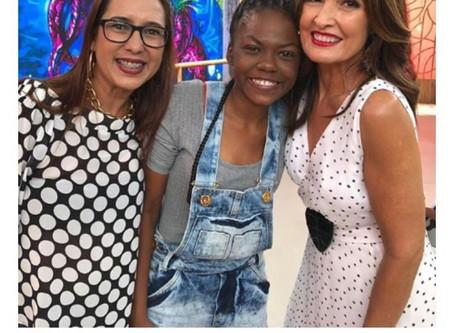 Poeta Júlia Suzarte participa do programa de Tv da Rede Globo Fátima Bernardes. Editora Anjo fecha c