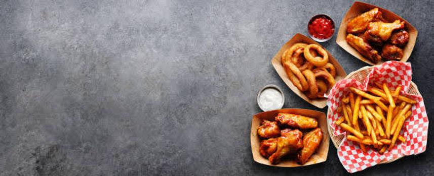 pub-appetizers-such-as-chicken-wings-oni
