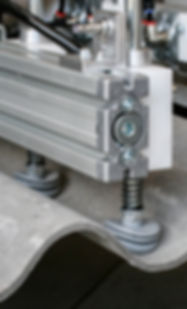 also uneven plates can be lifted with bellow suction cups from euroTECH