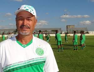Após precisar de oxigênio por conta da Covid-19, técnico pede pausa no futebol