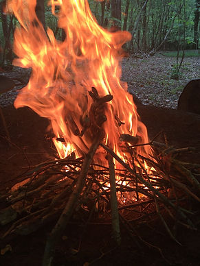 Mindful, group, fire, warm, calm, relaxation, things to do in Devon, Places to visit in Devon, Mindful Devon, Mindfullness, Chillout in Devon, Calm, natural, wellbeing,