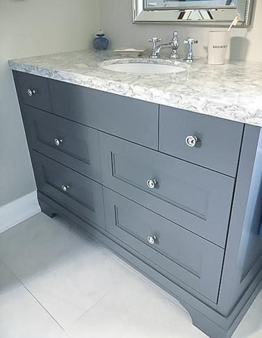 marble bathroom sink counter