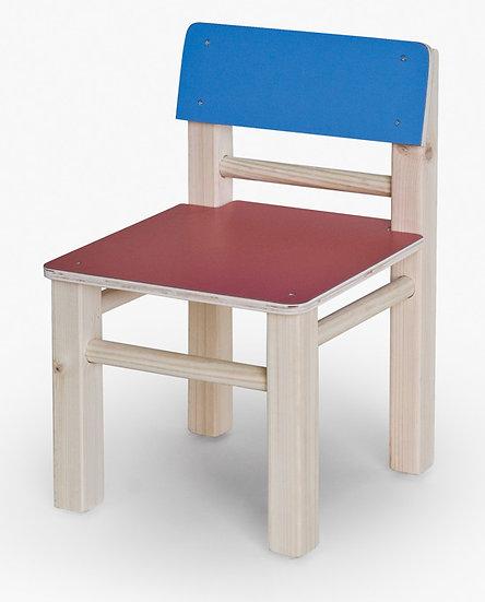כסא עץ צבעוני