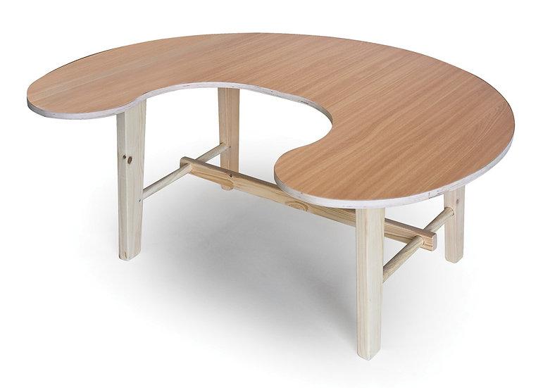 שולחן פרסה - רגלי עץ