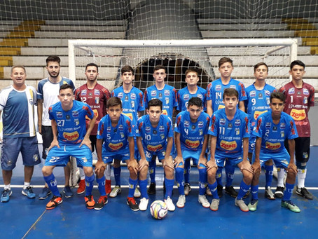 """A equipe Sub 15 do Umuarama ficou com a 1ª colocação do grupo """"E"""" na primeira fase do Estadual"""