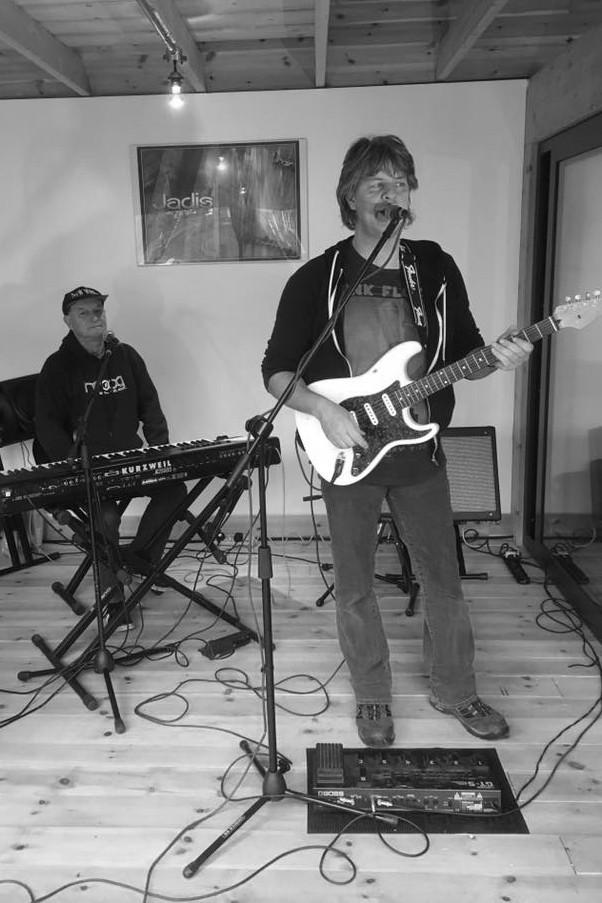 Martin Orford & Gary Chandler in the studio - December 2016