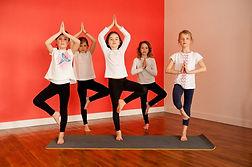 Atelier Yoga enfants posture groupe