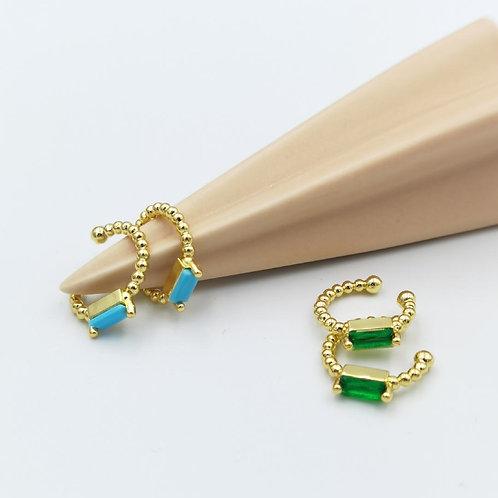 Σκουλαρίκια cuff με πέτρα.