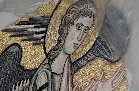 Anjo escondido é encontrado em mosaico no local onde Jesus nasceu!