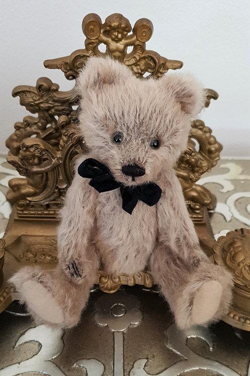 Fuzzy Wuzzy (beige)TeddyGruBear